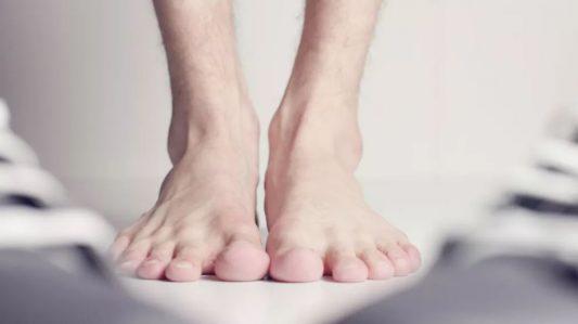 """怎麼避免你的腳變成 """"生化武器""""?"""