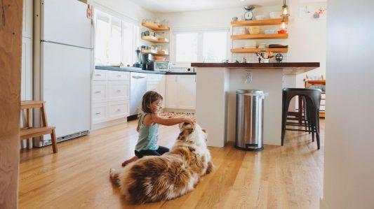 7 เคล็ดลับในการรักษาพื้นห้องครัวเชิงพาณิชย์ให้สะอาด