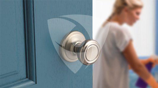Kwikset: Protezione delle superfici esposte a contatti frequenti