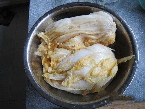 Prepare a sauerkraut.