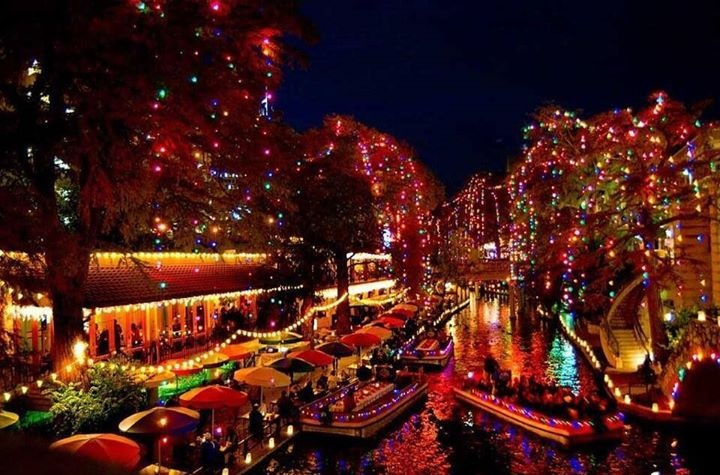 Christmas Lights on the San Antonio River Walk - Christmas Lights On The River Walk