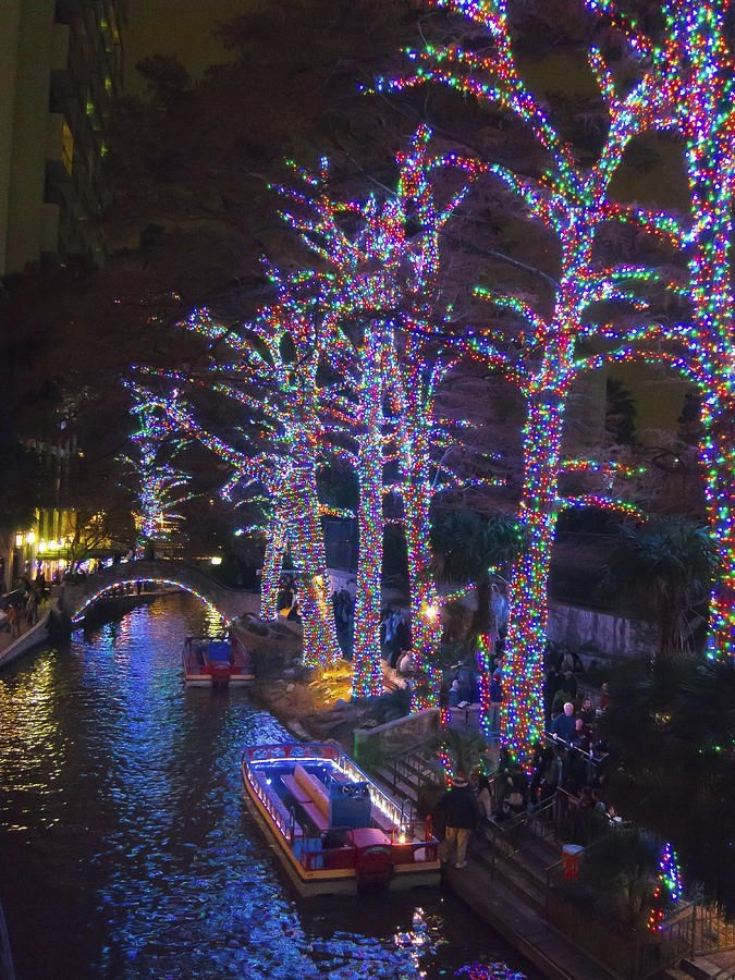 christmas lights on the san antonio river walk