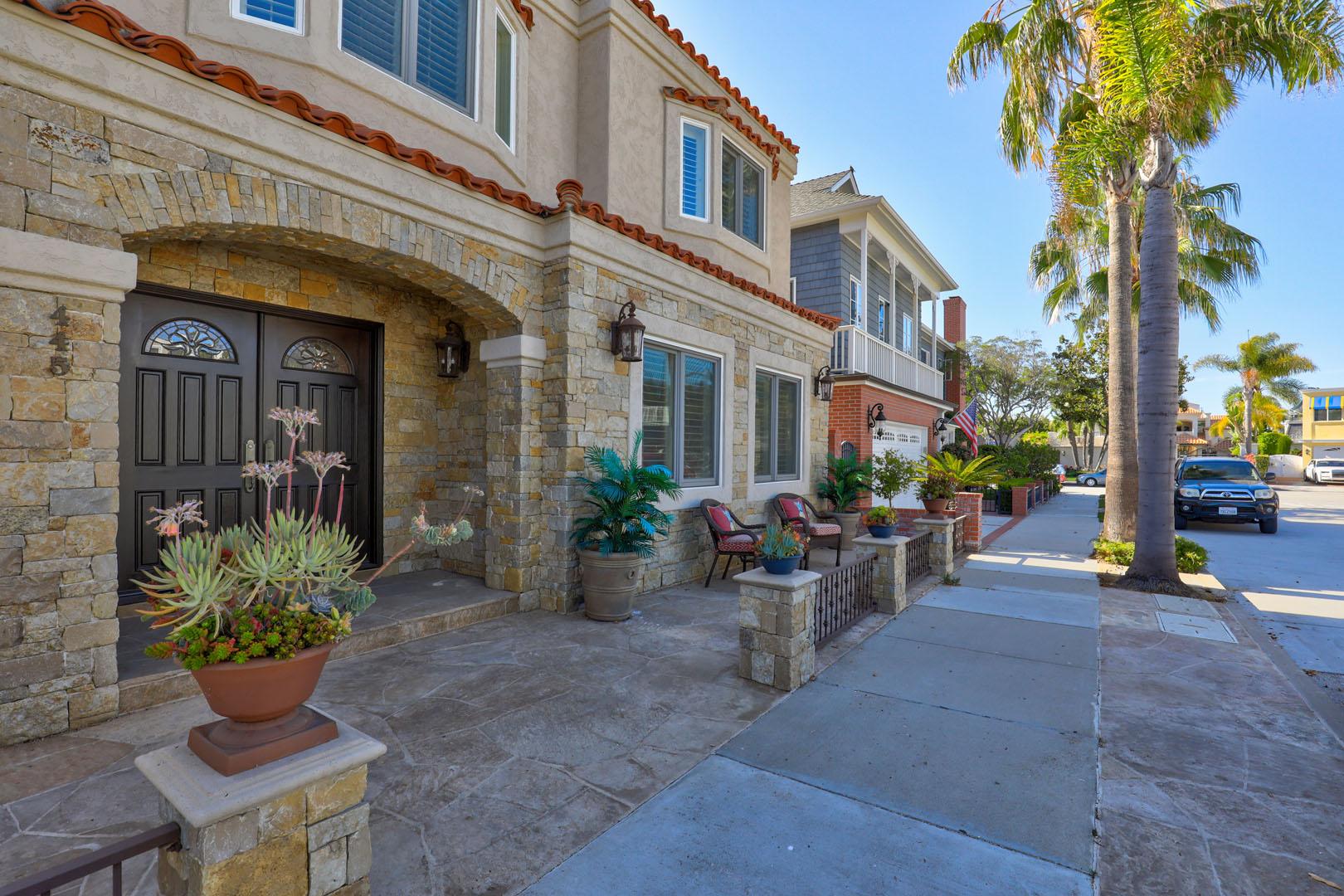 445 Seville Avenue ,Newport Beach, CA 92661