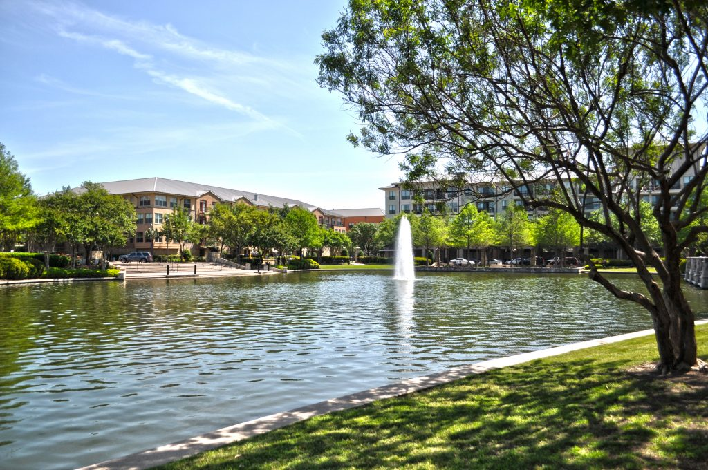 Lake at Bishop Park at The Shops at Legacy, Plano