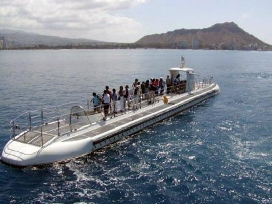 Oahu Submarine Tour image 3