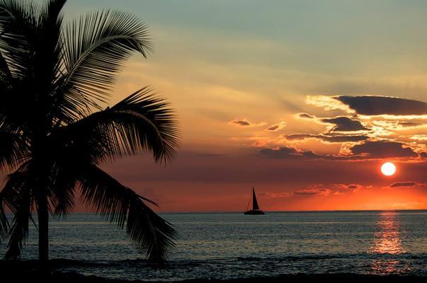 Mauna Lani Sunset Sail Adventure
