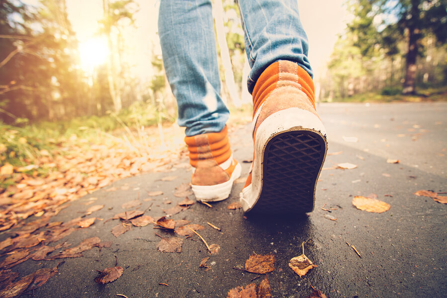 Stroll Your Way to Better Health: 4 Health-boosting Benefits of Walking