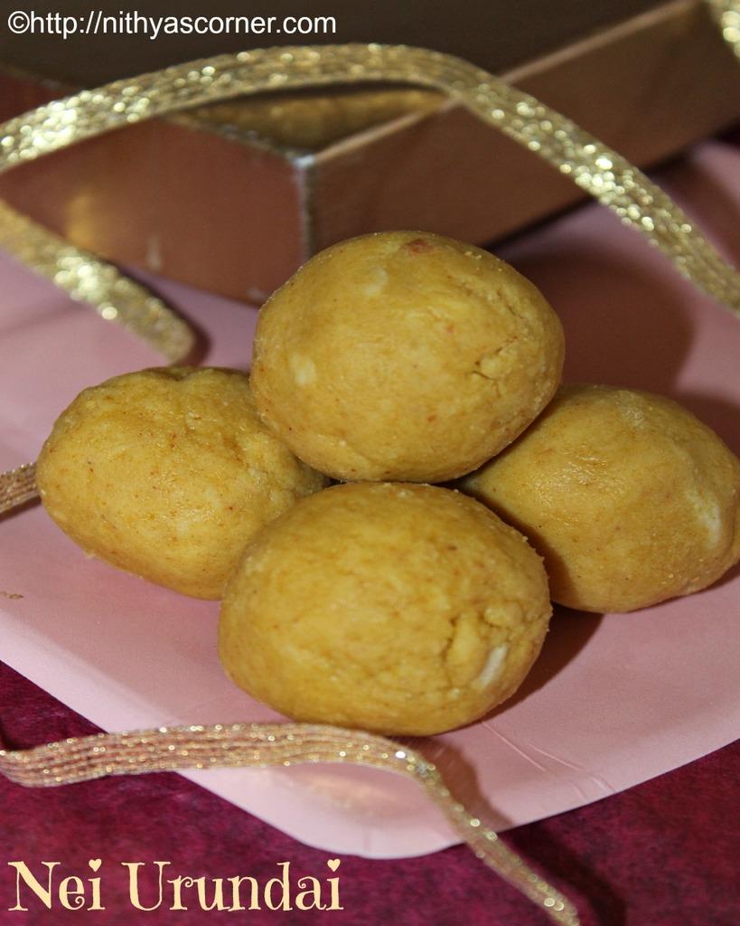 Nei Urundai Recipe,Pasi Paruppu Laddu,Moong Dal Ladoo