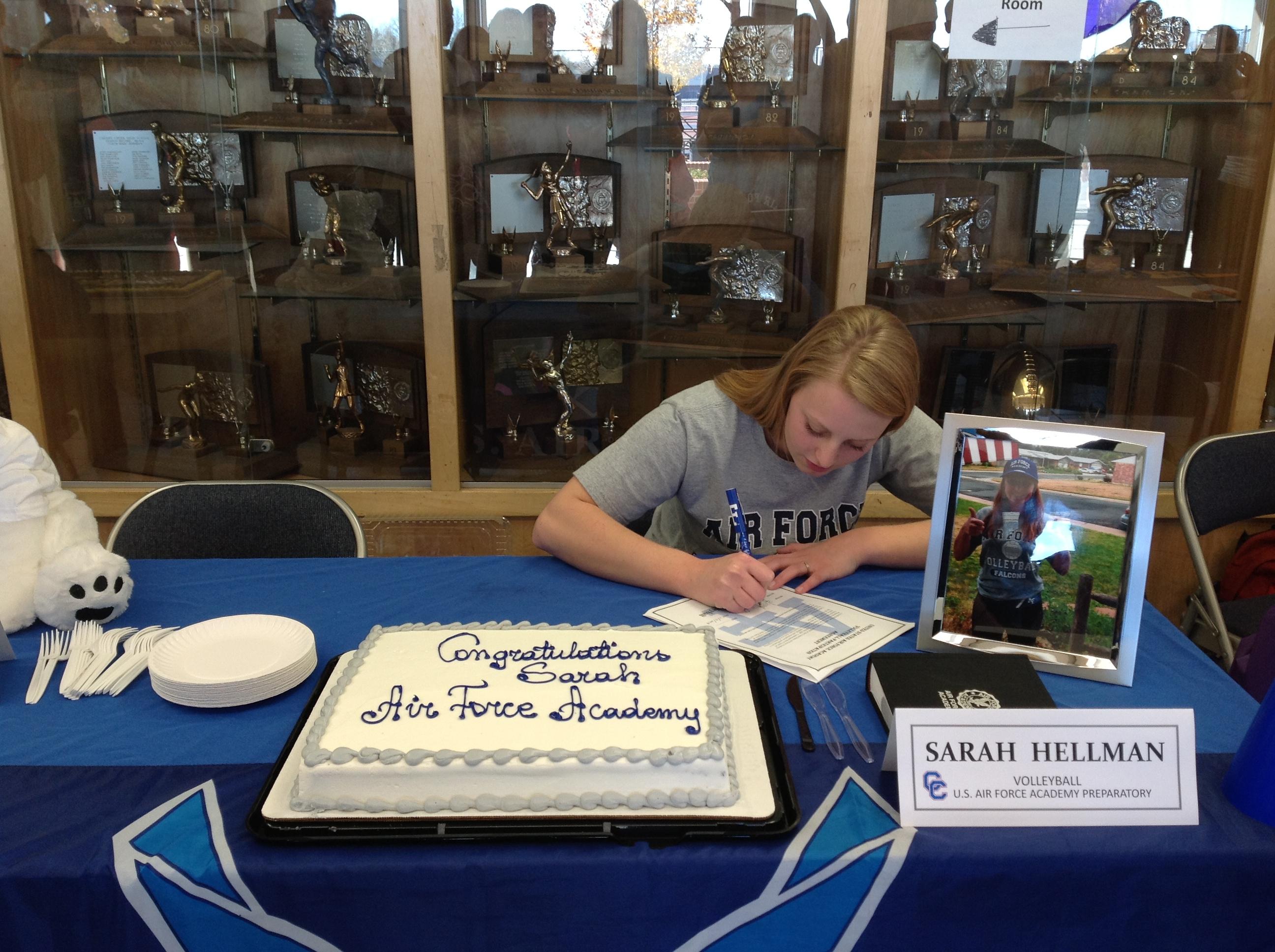 Sarahhellman signs