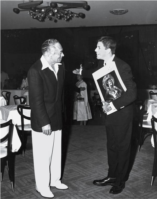 Jerry Lewis welcomes Irwin Schuman to the nightclub.