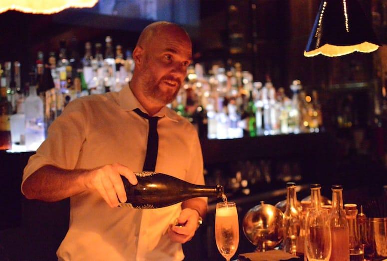 mr lyons steakhouse_seymour's lounge