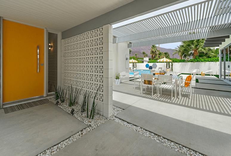 H3k design restores midcentury splendor to palm springs home - Palm springs interior design style ...