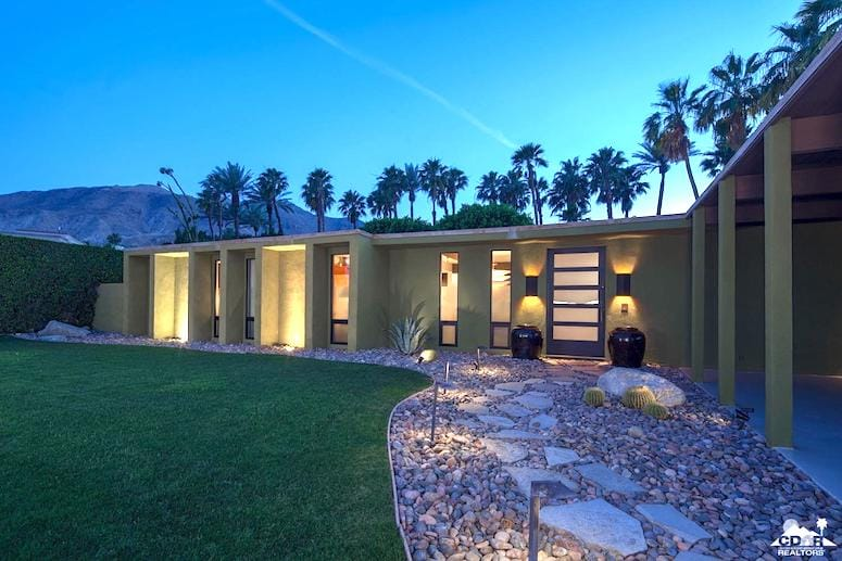 Magnesia Falls Cove Home Has Midcentury Charm in Rancho Mirage