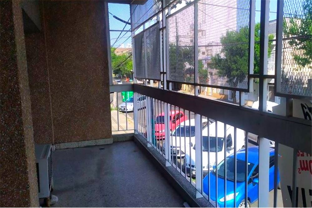 Balcón terraza al frente