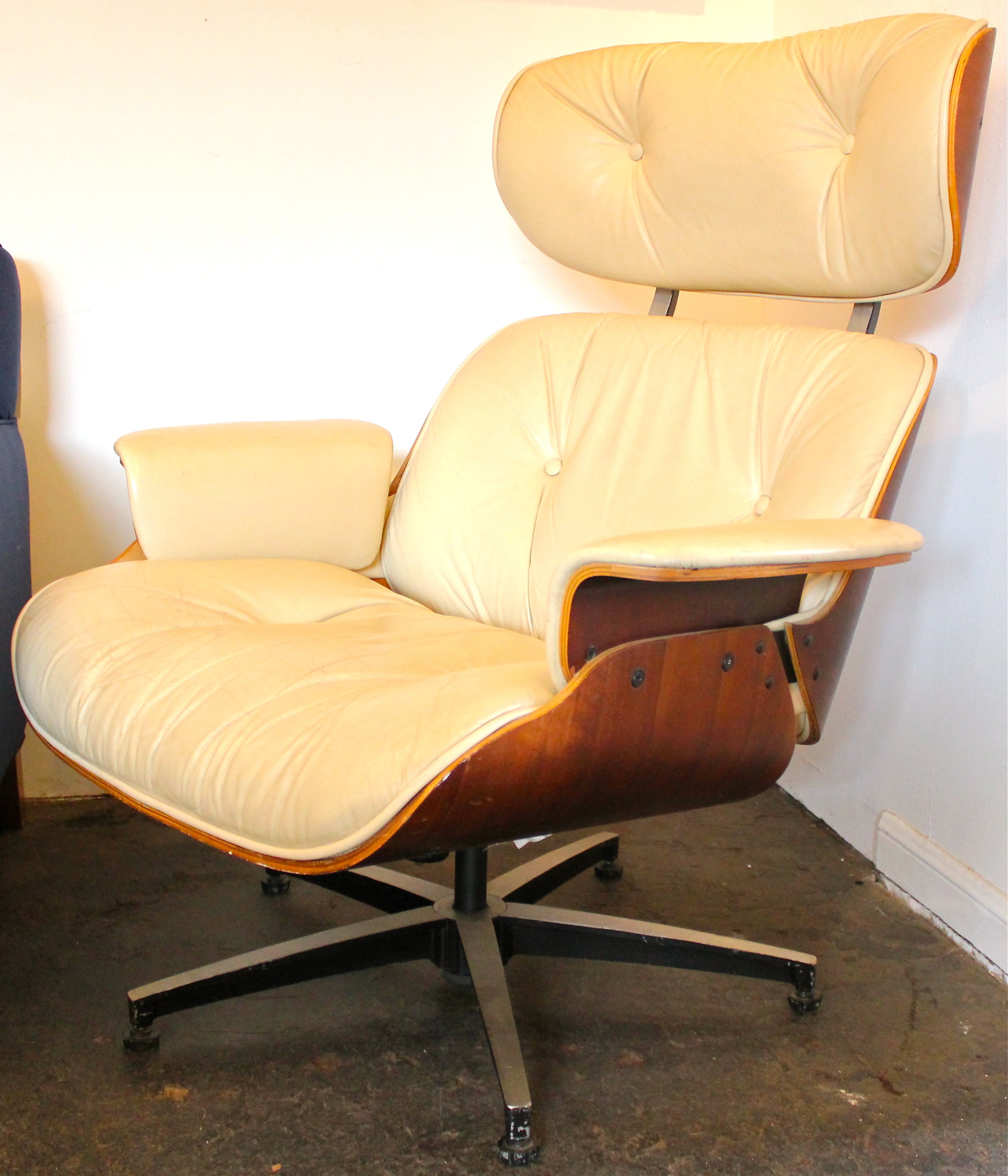 Plycraft Lounge Chair Eames Lounge Chair Eames Style Walnut Leather Mid