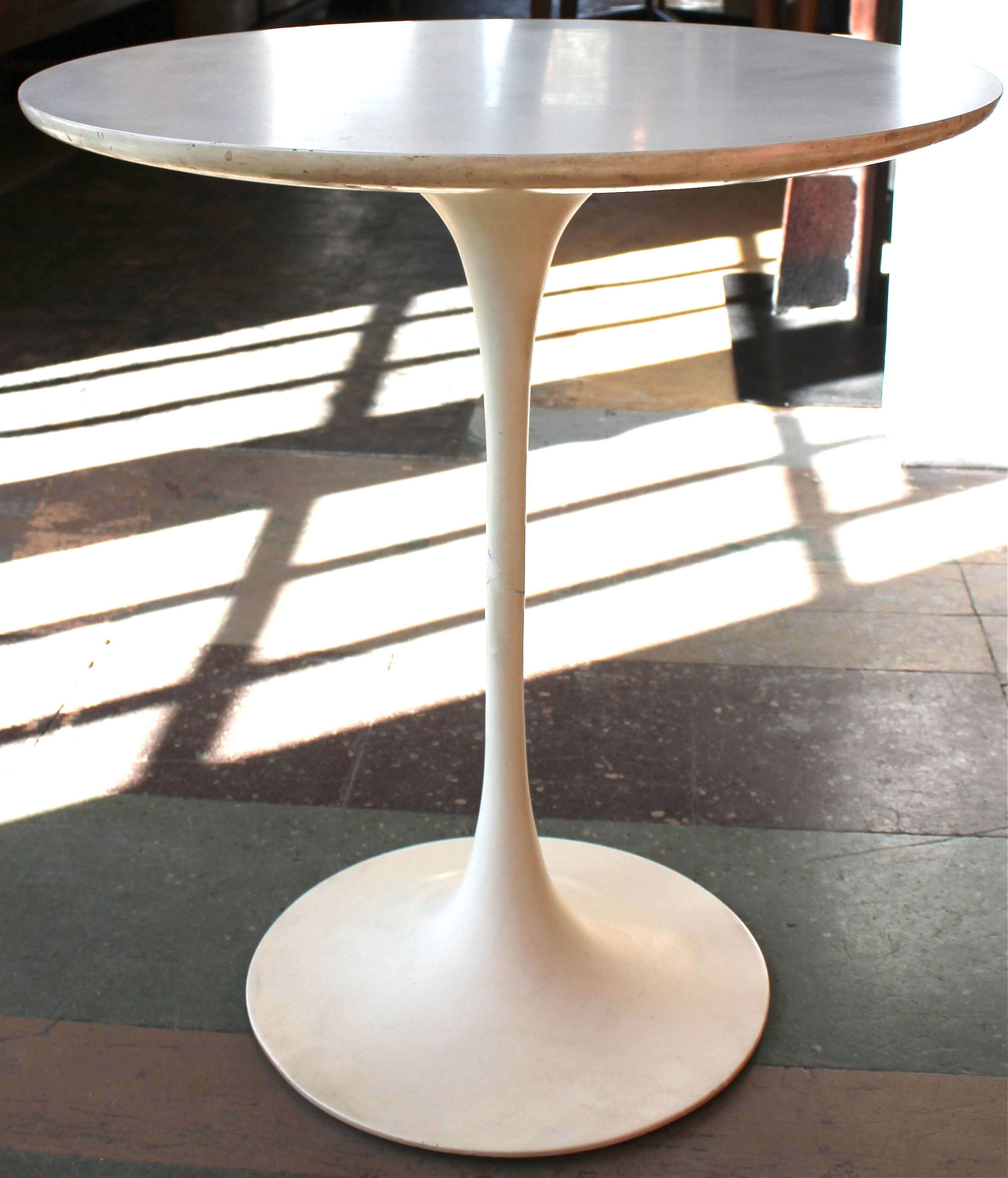 Great Saarinen Tulip Side Table 2394 x 2797 · 1453 kB · jpeg