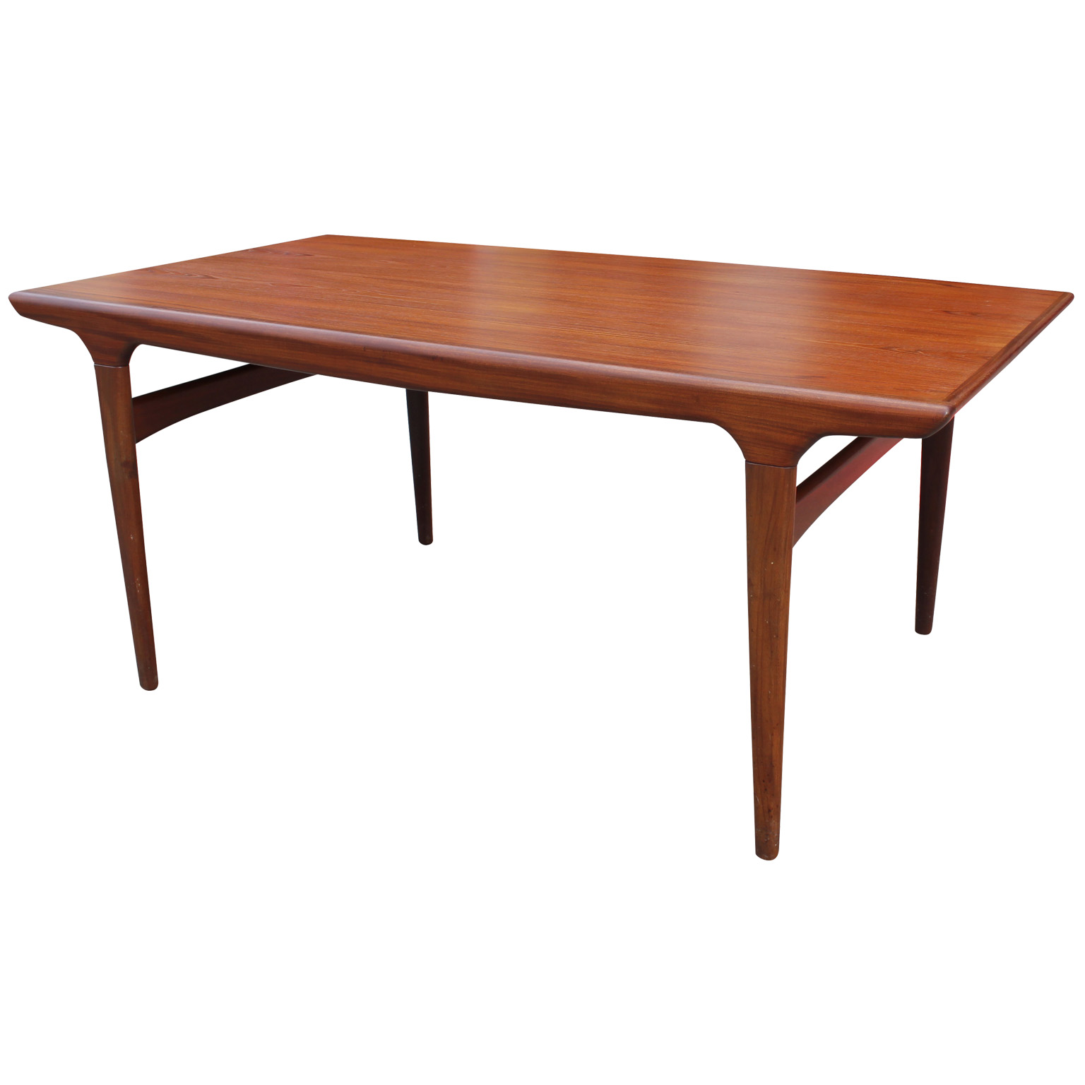 Elegant Danish Teak Dining Table With A Cantilevered Leaf