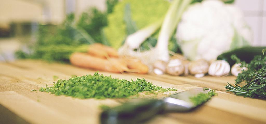 meal-prep-ideas_blog_review-weekly_pre-cut-vegies