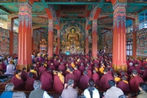 Main-Shrine-Room-typical-day-during-the-empowerments