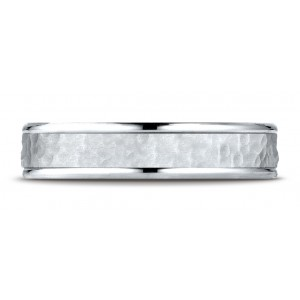14k White Gold Comfort Fit 4mm High Polish Edge Hammered Center Design Band