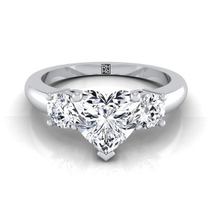 Diamond 3 Stone Engagement Ring With Heart Shape Center And Round Side Stones In 14k White Gold (1/4 Ct.tw.)