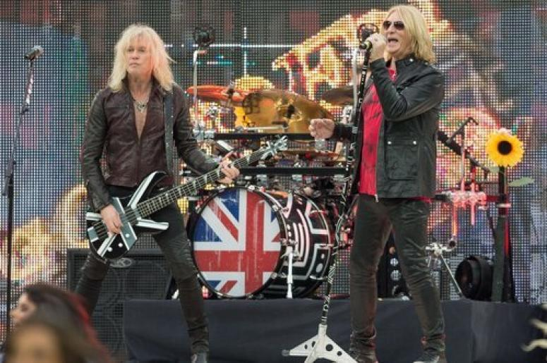 def leppard and poison to tour together in 2017 99 5 the mountain. Black Bedroom Furniture Sets. Home Design Ideas