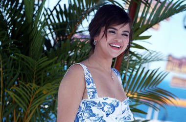 """Selena Gomez attends Columbia Pictures And Sony Pictures Animation's World Premiere Of """"Hotel Transylvania 3: Summer Vacation"""" held at Regency Village Theatre on June 30, 2018 in Westwood, California, United States."""