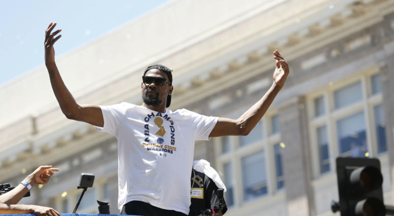 Star forward Kevin Durant has signed a contract to continue playing for the Golden State Warriors.