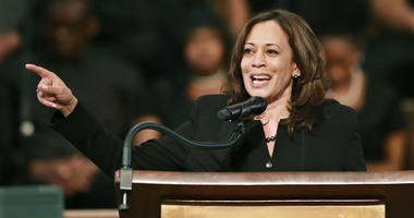 Sen. Harris Suggests Older Democratic Candidates Should Move Aside