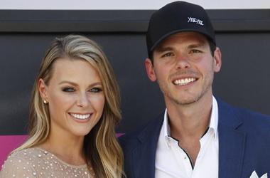 Granger Smith and his wife Amber