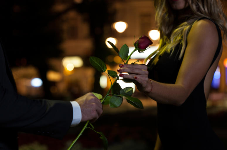 first date flowers advice