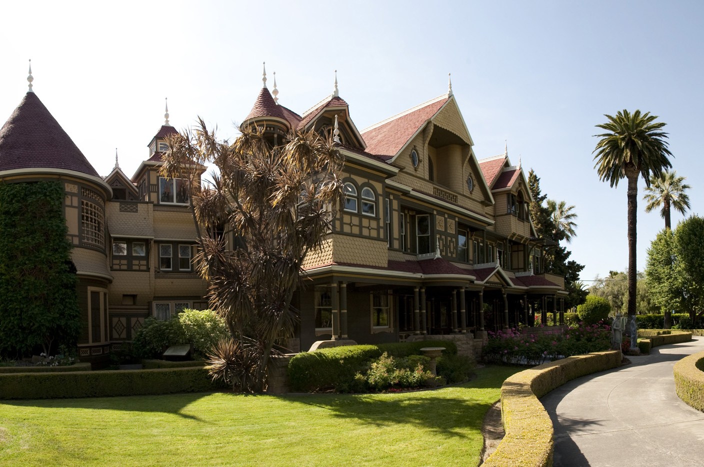 winchester mystery house offering halloween candlelight tours | the