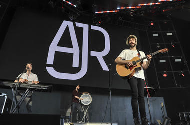 AJR at ALT 105.3 BFD 2018