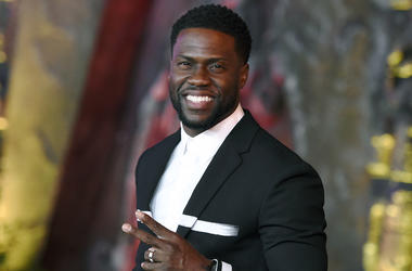 """In this Dec. 11, 2017 file photo, Kevin Hart arrives at the Los Angeles premiere of """"Jumanji: Welcome to the Jungle"""" in Los Angeles. Hart will host the 2019 Academy Awards, fulfilling a lifelong dream for the actor-comedian. Hart announced Tuesday, Dec. 4"""