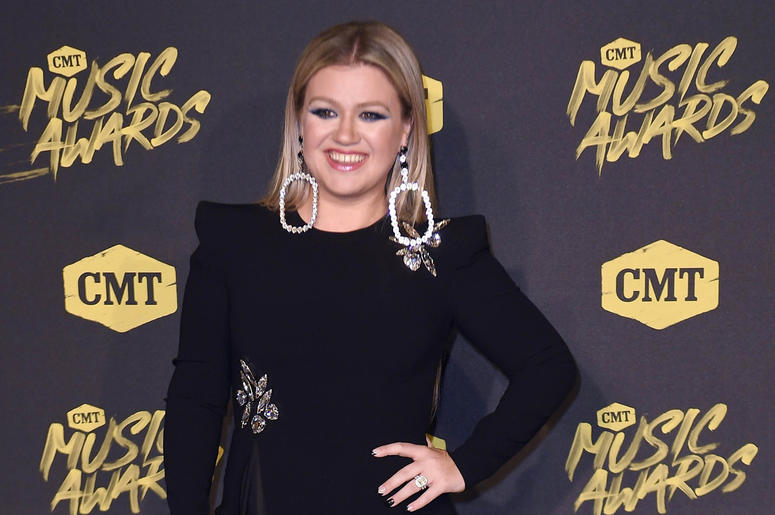 June 6, 2018; Nashville, TN, USA; Kelly Clarkson on the red carpet prior to the CMT Music Awards at Bridgestone Arena. Mandatory Credit: George Walker IV/The Tennessean via USA TODAY NETWORK
