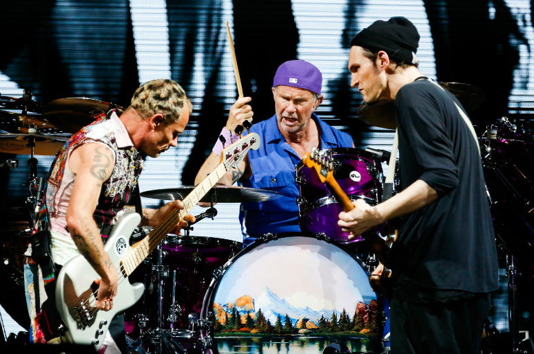 Red Hot Chili Peppers perform during the Lollapaloosa Sao Paulo 2018