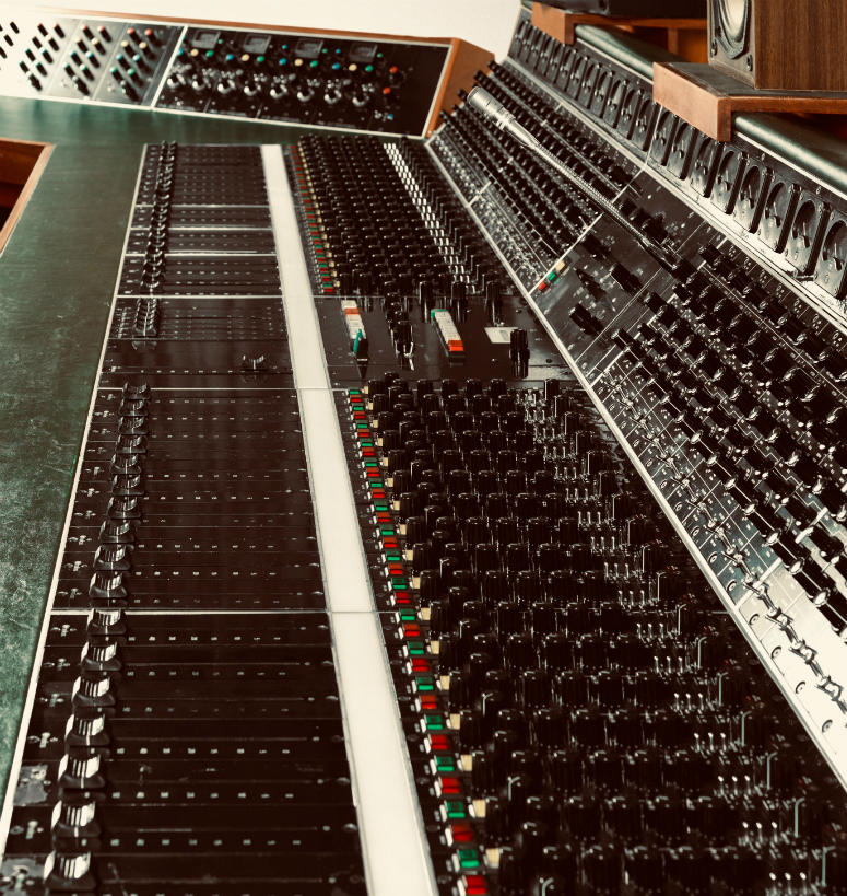 "Helios recording desk used to record Led Zeppelin's ""Stairway to Heaven"""