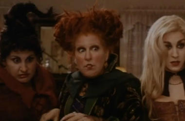 ""\""""Hocus Pocus"""" is one of the many Halloween classics you can watch for nearly free this coming Halloween. Vpc Halloween Specials Desk Thumb""380|250|?|en|2|928cfb23caa7a870d1e989c5e9255691|False|UNLIKELY|0.3260354995727539
