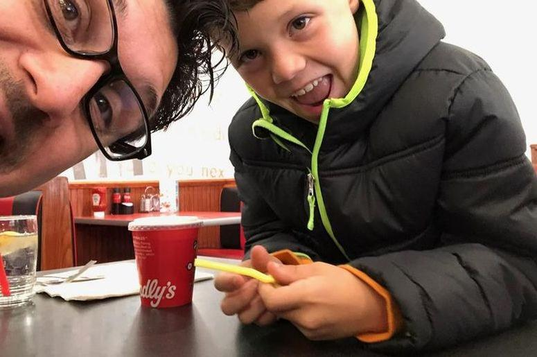 Enjoying lunch with my buddy at Friendly's.  Wish we had them in San Diego.  Great ice cream!