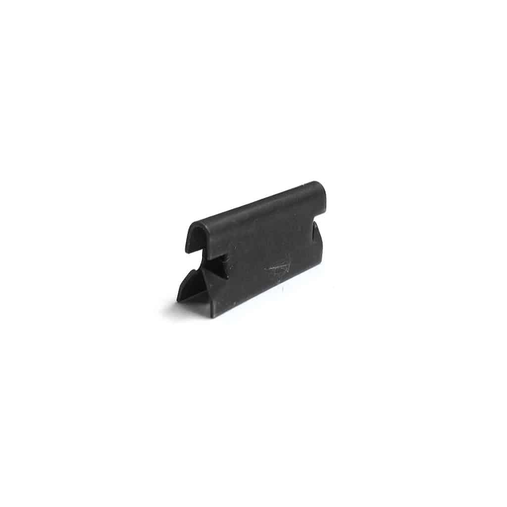 Clip, inner door scraper/seal