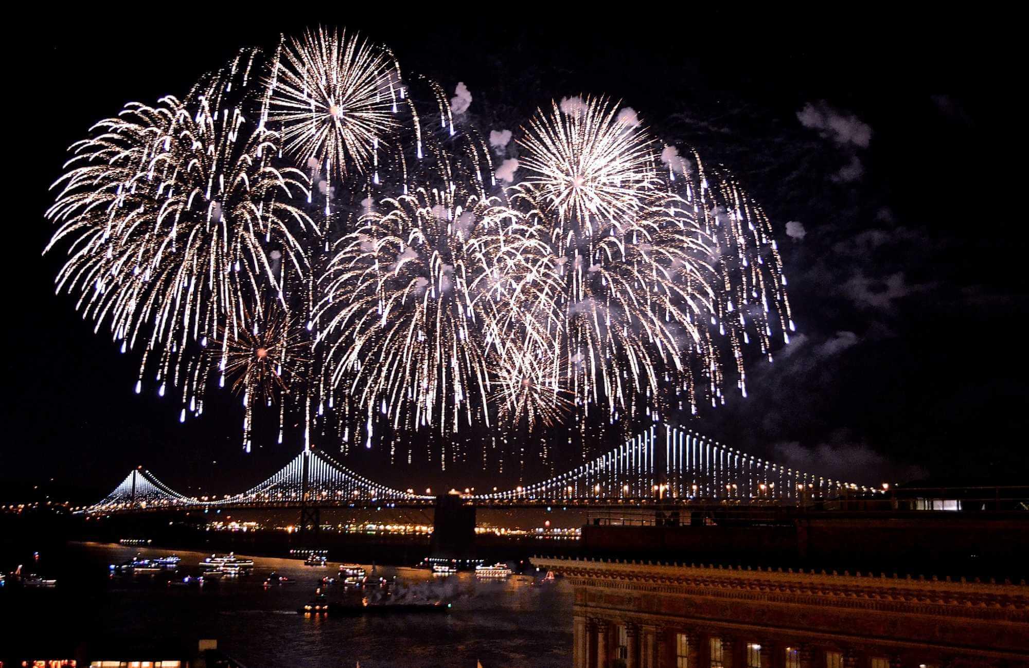 embarcadero-fireworks-nye-sf