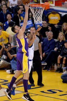 Jordan Bell lifts Warriors to 11th-straight win 28