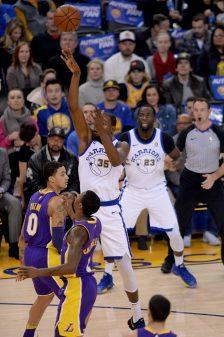 Jordan Bell lifts Warriors to 11th-straight win 26