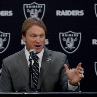 Raiders continue free agent frenzy, add Tahir Whitehead