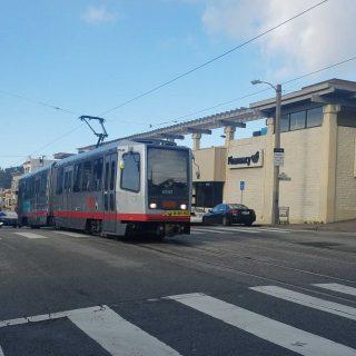Muni preserves L-Taraval 'Safeway' stop at 17th Avenue