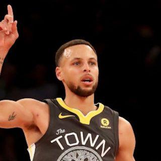 Warriors blast Knicks with usual third quarter blitz