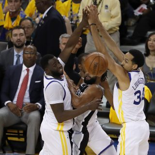 Dubs find defensive edge in Game 1 stomping of Spurs