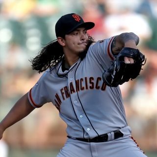 Led by dominant Rodríguez, Giants earn split with Pirates