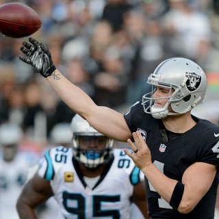 Raiders 4 & Out: Derek Carr's pinky is mightier than the sword