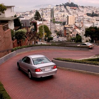 Tolls for Lombard Street tourists wind closer to reality